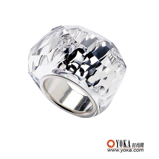 Swrovski水晶戒指 ¥1960