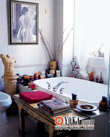 浴室并不单纯是个清洁身体的地方,这里也有着更多的情调与思想。