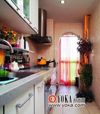 厨房里洋溢着乡村风格带来的田园感觉。