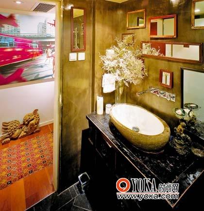 客卫的镜子墙既新颖又实用,值得借鉴。