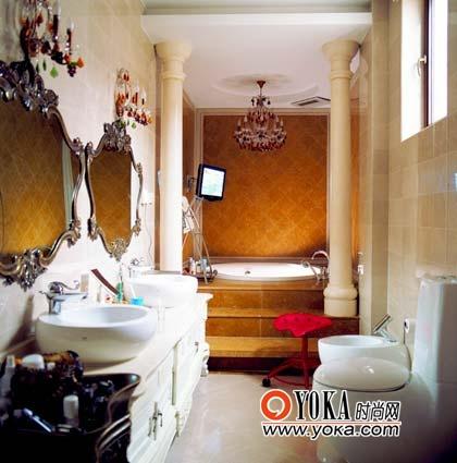 藏在卧室后面的欧式卫浴间以华美当道