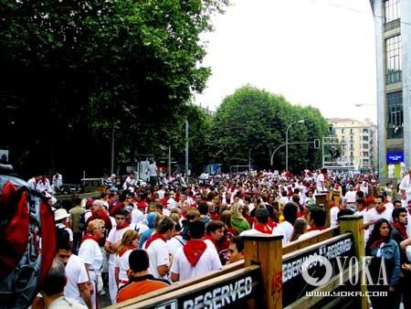 潘普洛纳(Pamplona)每年七月七日的奔牛节,都会吸引全世界的好事者云集于此。
