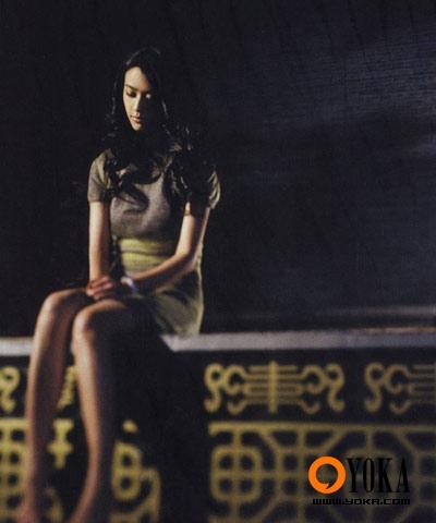 在电影《色,戒》中饰演王佳芝的汤唯,感觉自己变得有些女人味了.